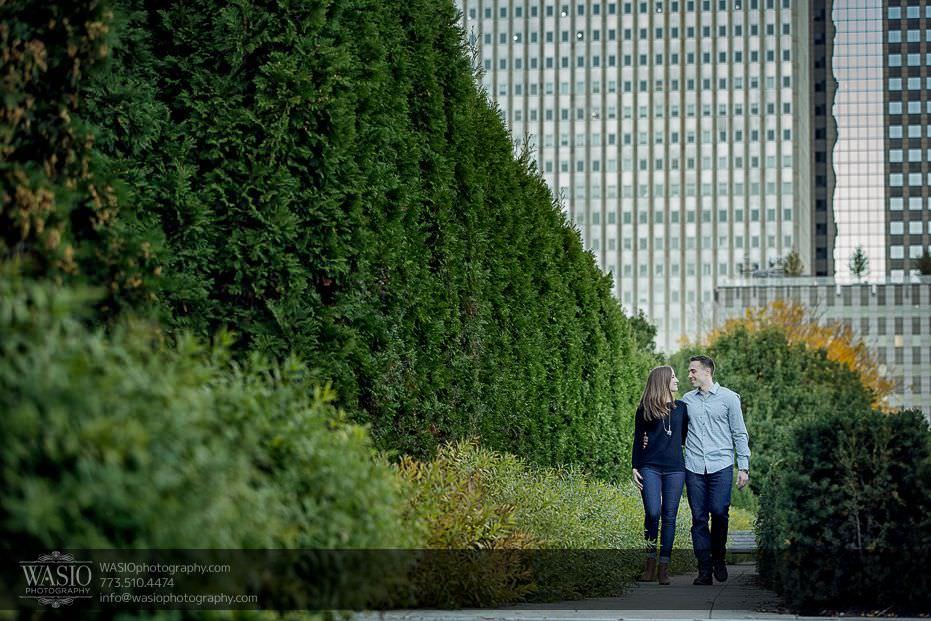 Chicago-engagement-photos-millenium-park-landmarks-skyline-10 Chicago Engagement Photos - Alina + Mike