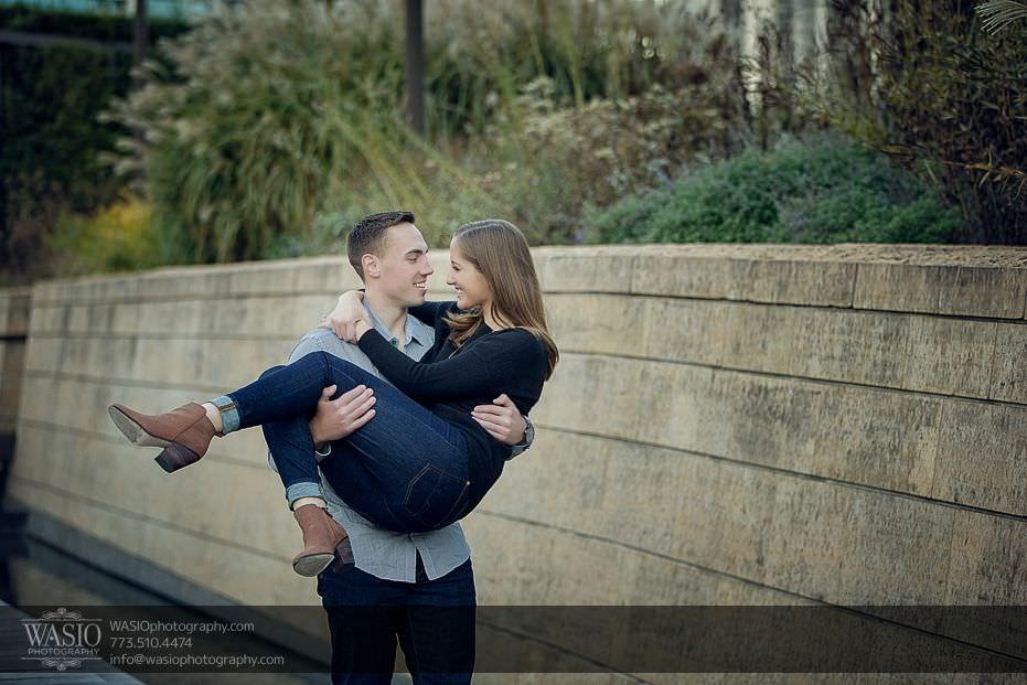 Chicago-engagement-photos-romantic-intimate-16 Chicago Engagement Photos - Alina + Mike