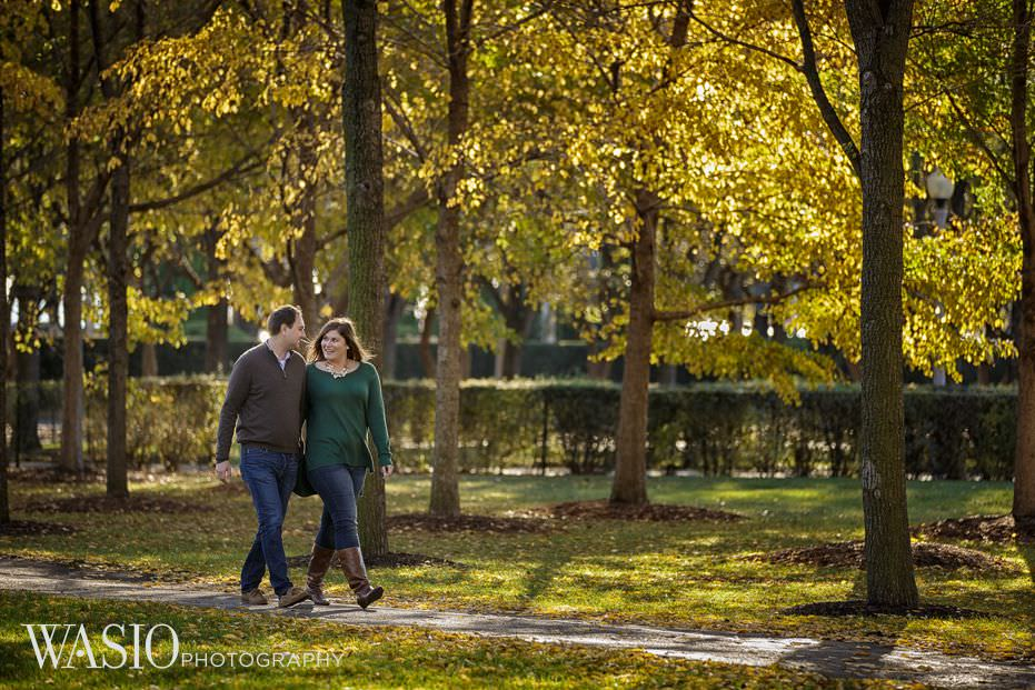 Chicago-engagement-session-fall-colors-perfect-outdoor-fun-walking-flirt-23 Chicago Engagement - Allie + John