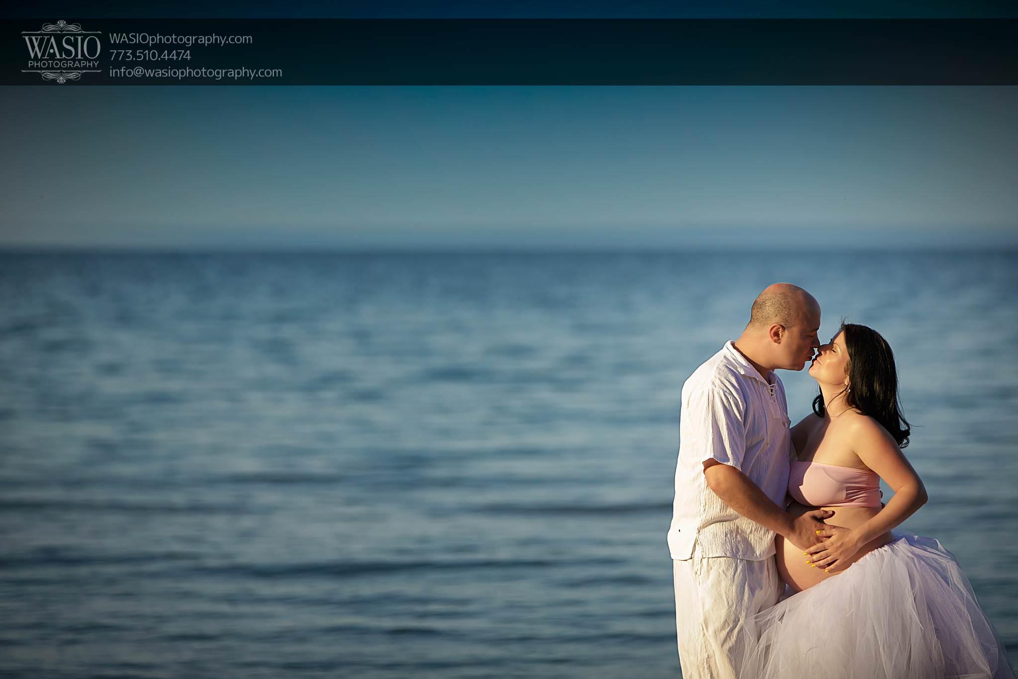 Chicago-maternity-photos-passion-kiss-beach-spring-139 Chicago Maternity Photos - Mayya