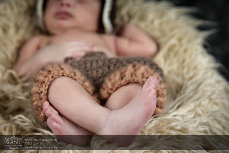 Chicago-newborn-photography-cute-little-feet-10 Chicago Newborn Photography - Kayden