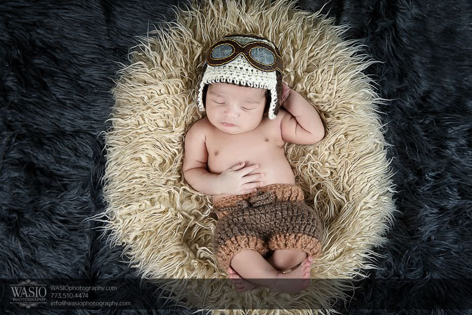 Chicago-newborn-photography-mini-sleeping-pilot-cute-idea-9 Chicago Newborn Photography - Kayden
