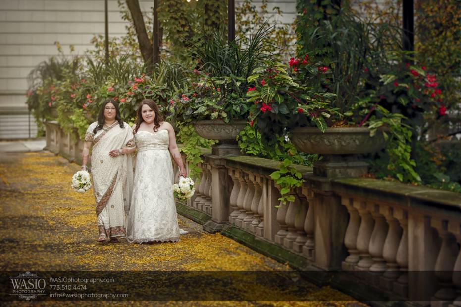 Chicago-same-sex-wedding-art-institute-portrait-photography_36-931x620 Chicago same sex wedding - Katherine + Mitali