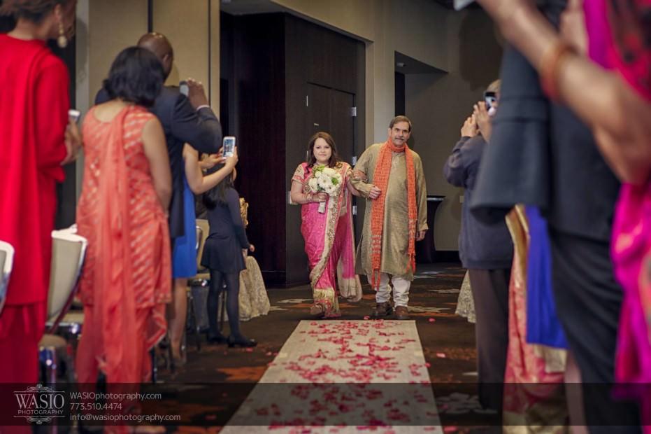 Chicago-same-sex-wedding-ceremony-rose-petals_22-931x620 Chicago same sex wedding - Katherine + Mitali