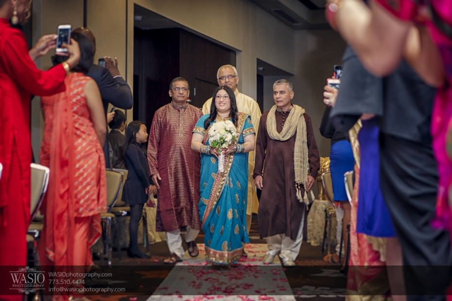 Chicago-same-sex-wedding-father-of-bride-ceremony_21-931x620 Chicago same sex wedding - Katherine + Mitali