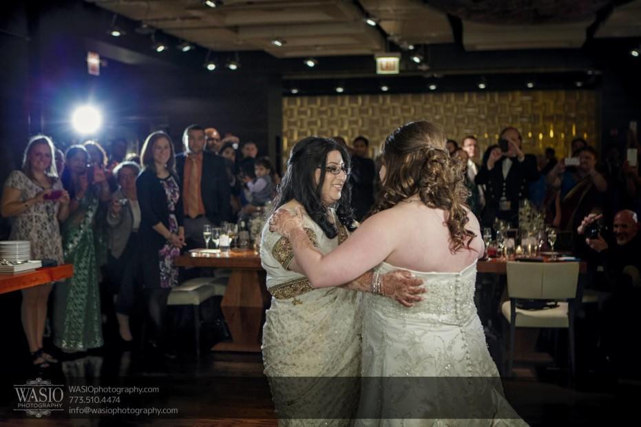 Chicago-same-sex-wedding-first-dance_48-931x620 Chicago same sex wedding - Katherine + Mitali