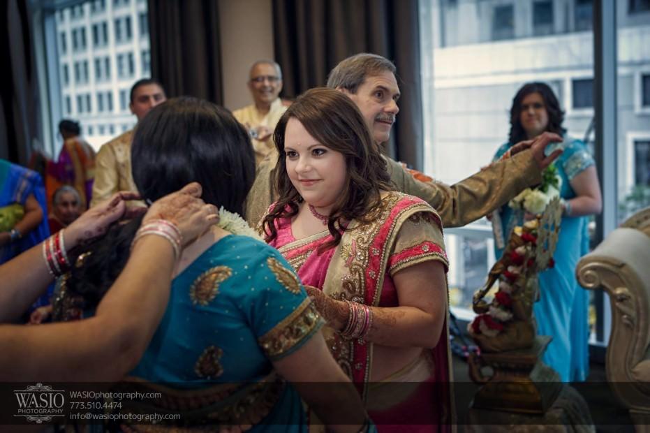 Chicago-same-sex-wedding-indian-ceremony-tradition_23-931x620 Chicago same sex wedding - Katherine + Mitali