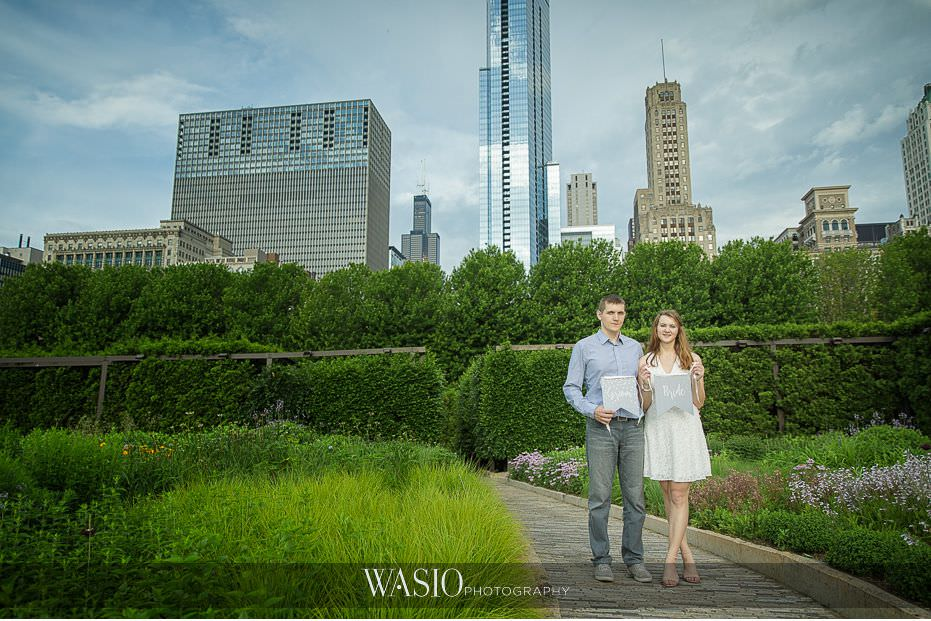 Chicago-summer-engagement-photos-Millennium-Park-beautiful-nature-Chicago-skyline-6 3 Tips For Your Chicago Summer Engagement Photos - Kate & Igor