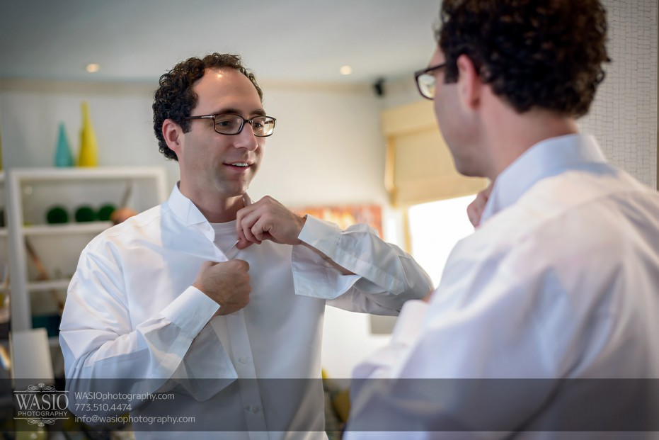 Chicago-wedding-photographer-jewish-allegro-hotel-073-groom-getting-ready-931x621 Chicago Jewish Wedding at Allegro Hotel - Jenny + Scott