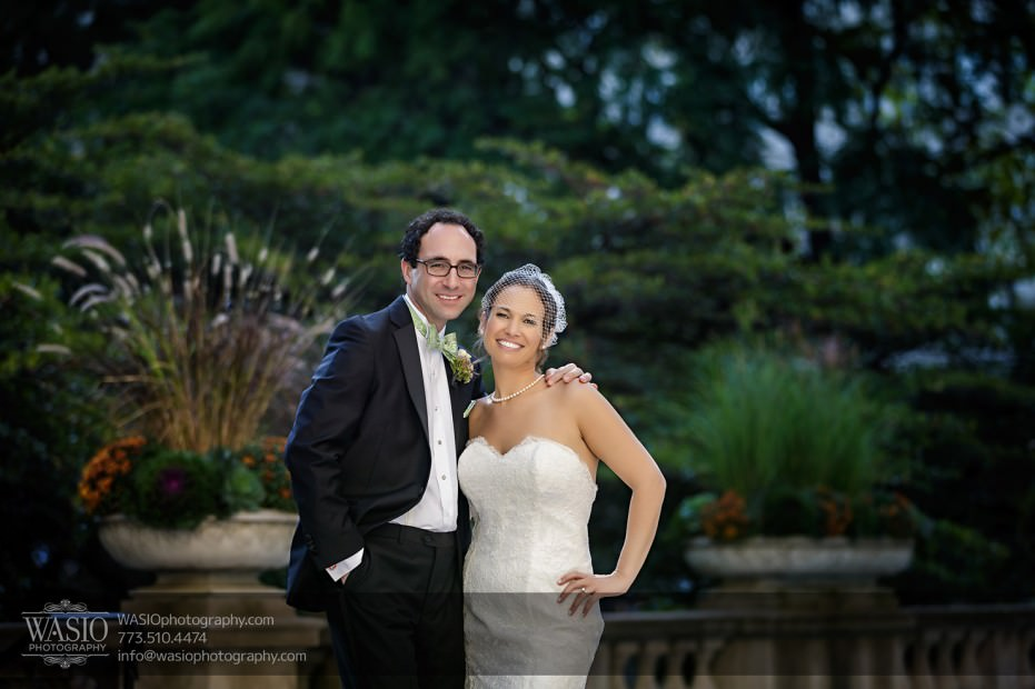 Chicago-wedding-photographer-jewish-allegro-hotel-081-art-institute-gardens-931x620 Chicago Jewish Wedding at Allegro Hotel - Jenny + Scott