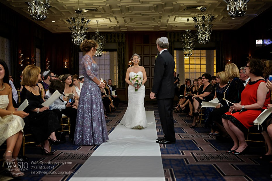 Chicago-wedding-photographer-jewish-allegro-hotel-085-bride-walking-down-the-aisle-931x620 Chicago Jewish Wedding at Allegro Hotel - Jenny + Scott