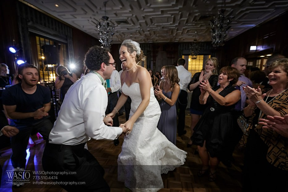 Chicago-wedding-photographer-jewish-allegro-hotel-093-fun-reception-dancing-931x620 Chicago Jewish Wedding at Allegro Hotel - Jenny + Scott