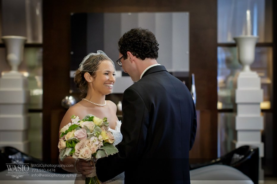 Chicago-wedding-photographer-jewish-allegro-hotel-108-931x620 Chicago Jewish Wedding at Allegro Hotel - Jenny + Scott