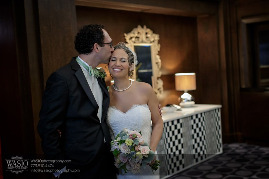Chicago-wedding-photographer-jewish-allegro-hotel-109-931x620 Chicago Jewish Wedding at Allegro Hotel - Jenny + Scott