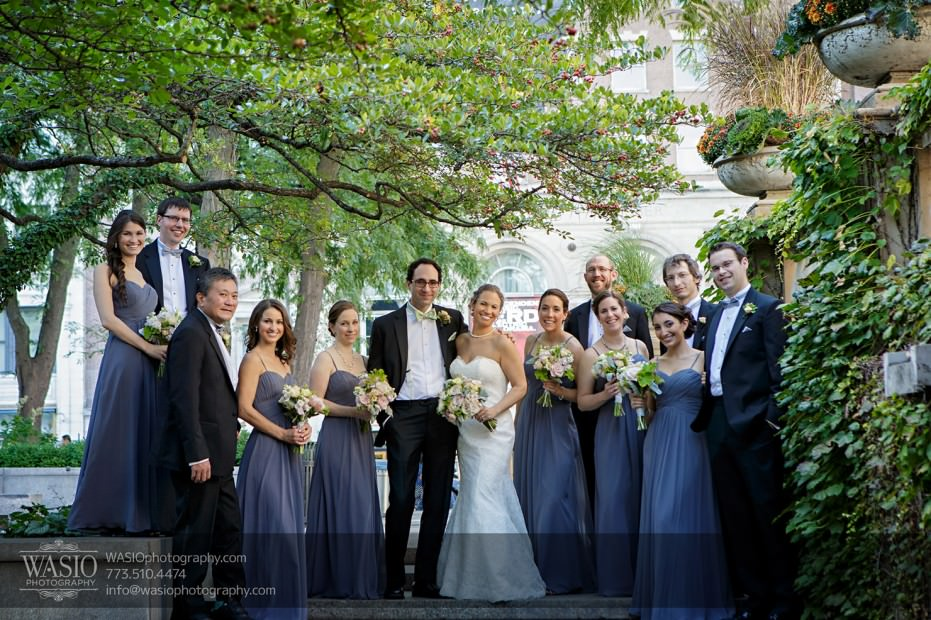Chicago-wedding-photographer-jewish-allegro-hotel-112-931x620 Chicago Jewish Wedding at Allegro Hotel - Jenny + Scott