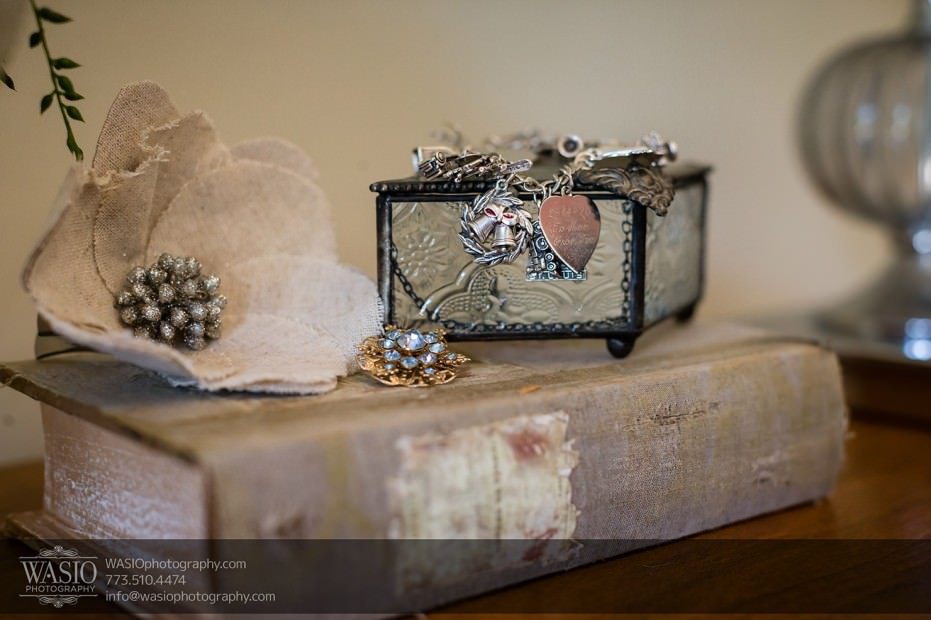 Chicago-wedding-photographers-Danada-house-venue_057-931x620 Rustic Danada House Wedding - Meagen+Mike
