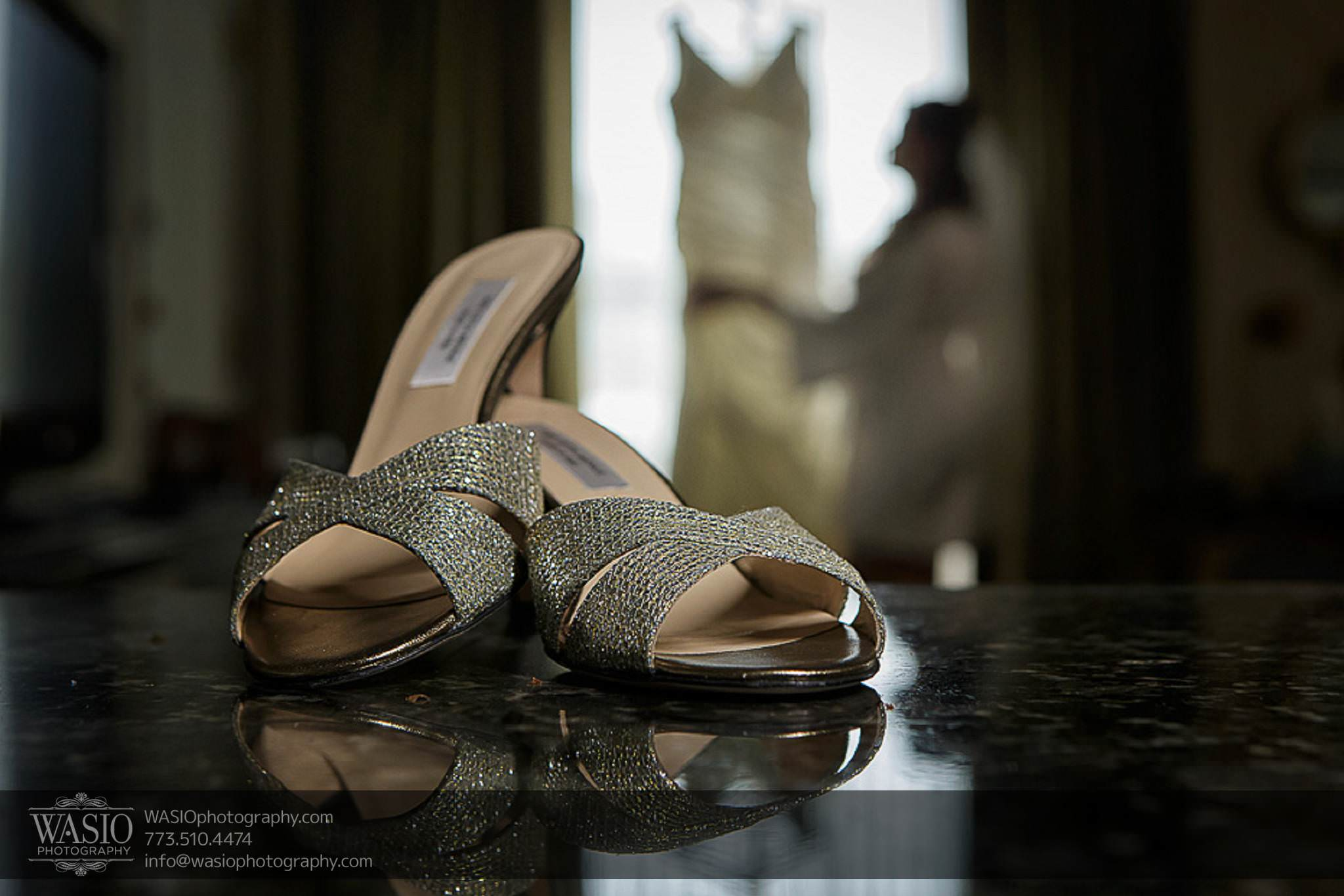 Chicago-wedding-photos-bridal-shoes-preparation-reflection-wedding-dress-unique-abstract-043 Chicago Wedding Photos - Svetlana + Yuriy