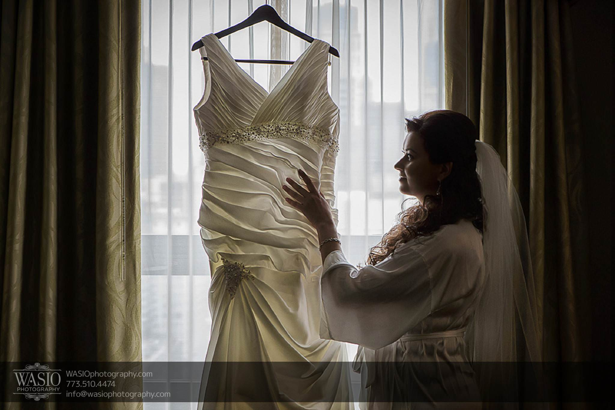 Chicago-wedding-photos-bride-bridal-wedding-dress-white-044 Chicago Wedding Photos - Svetlana + Yuriy