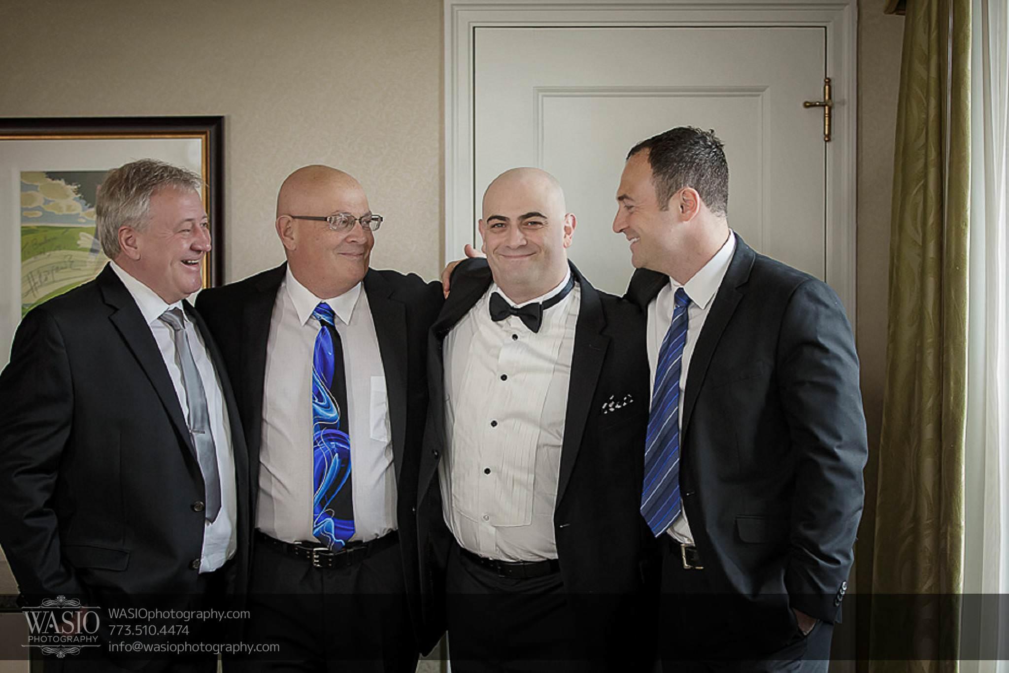 Chicago-wedding-photos-groomsmen-palmer-house-preparation-041 Chicago Wedding Photos - Svetlana + Yuriy