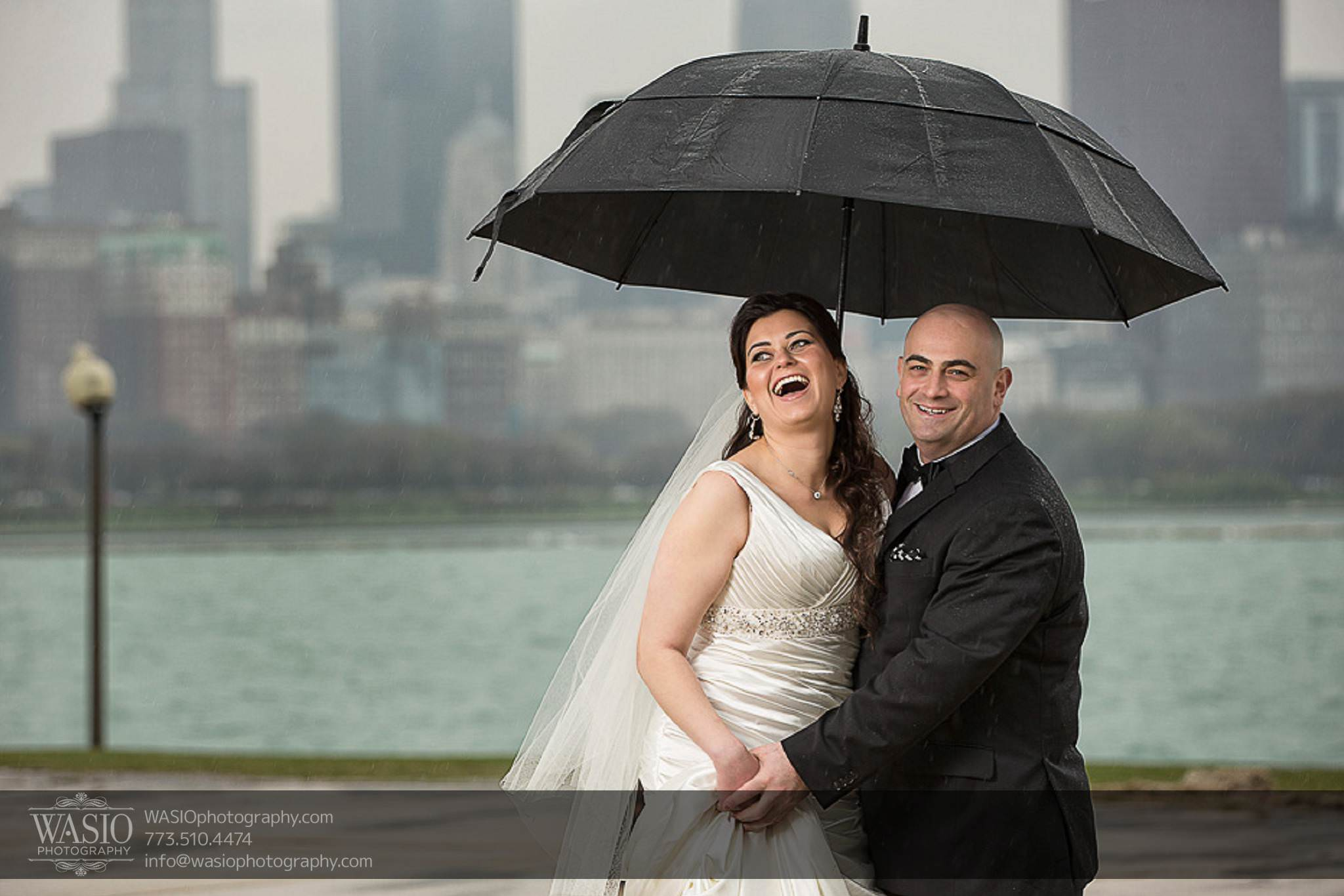 Chicago-wedding-photos-rain-umbrella-fun-skyline-happy-056 Chicago Wedding Photos - Svetlana + Yuriy