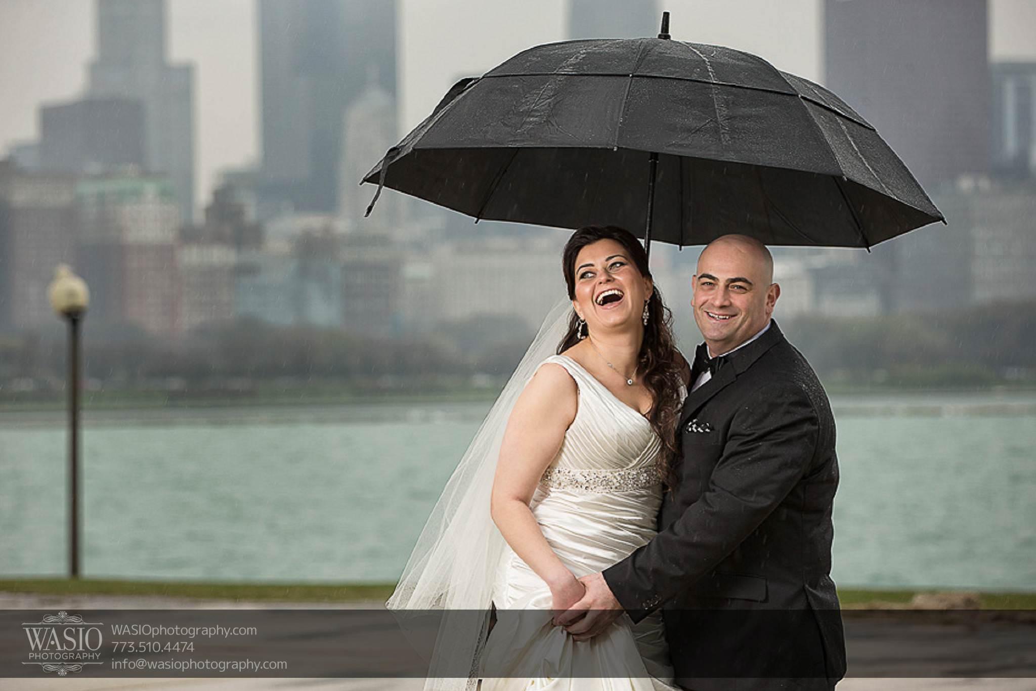 Chicago-wedding-photos-rain-umbrella-fun-skyline-happy-056 Chicago Wedding Photos - Svetlana + Yuriy