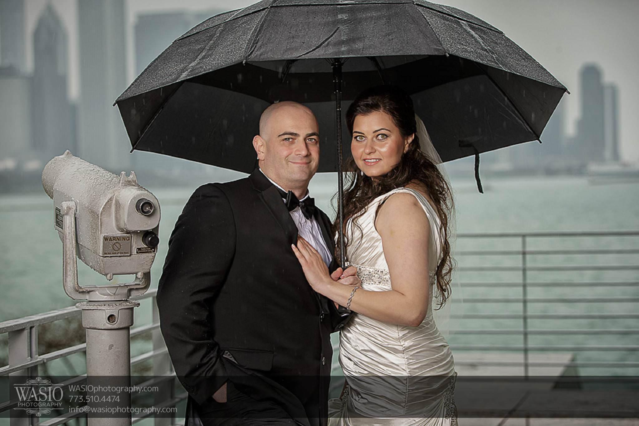 Chicago-wedding-photos-skyline-rainy-day-fun-057 Chicago Wedding Photos - Svetlana + Yuriy