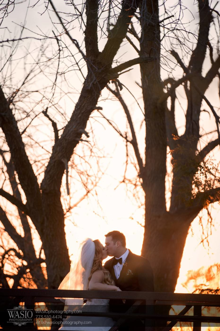 Country-club-wedding-fall-sunset-kiss-romance-113-931x1396 The Country Club Wedding - Nicole + Dean