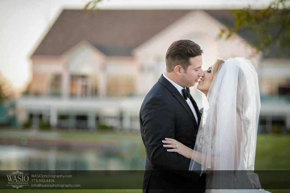 Country-club-wedding-in-the-moment-kiss-117-931x620 The Country Club Wedding - Nicole + Dean
