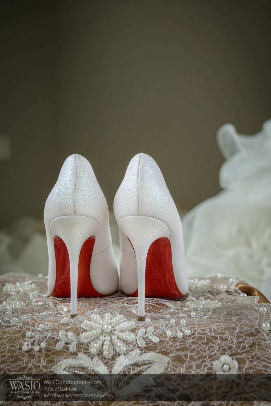 Country-club-wedding-red-soles-louboutin-shoes-white-perfect-fashion-0061-931x1396 The Country Club Wedding - Nicole + Dean