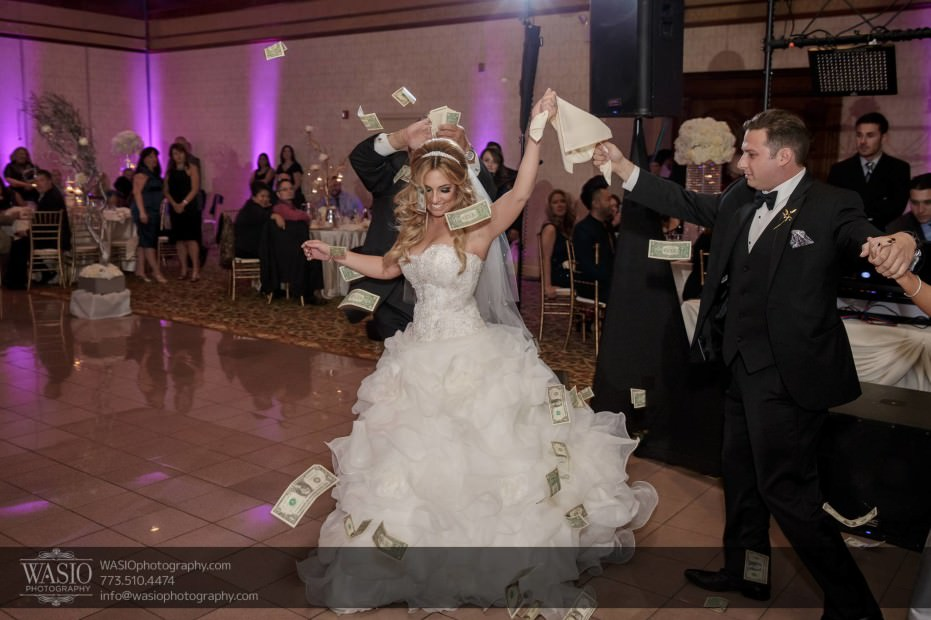 Country-club-wedding-traditional-greek-dance-money-131-931x620 The Country Club Wedding - Nicole + Dean