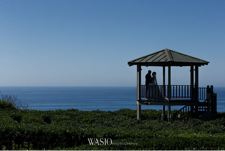 Del-Mar-Wedding-maze-bride-groom-gazebo-silhouette-romantic-08 Del Mar Wedding By The Ocean - Shanie and James