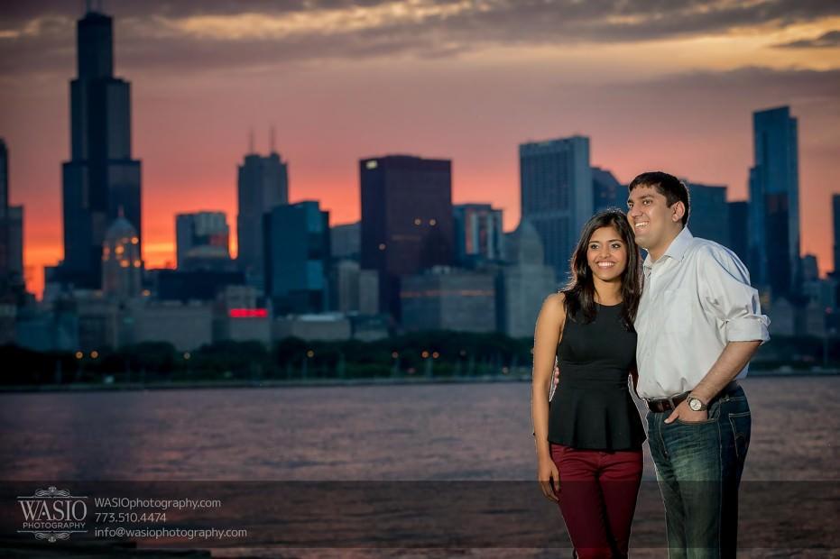 Destination-Chicago-Wedding-Engagement-Photos-WASIO-photography-0114-sunset-romantic-skyline-931x620 A Chicago Engagement Session with Shreya+Monil