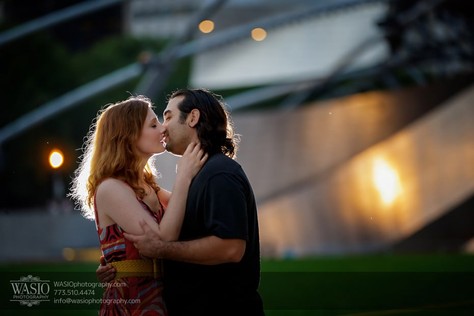 Destination-Chicago-Wedding-Engagement-Photos-WASIO-photography-0130-millennium-park-engagement-931x620 A Chicago Engagement - Krista+Anthony