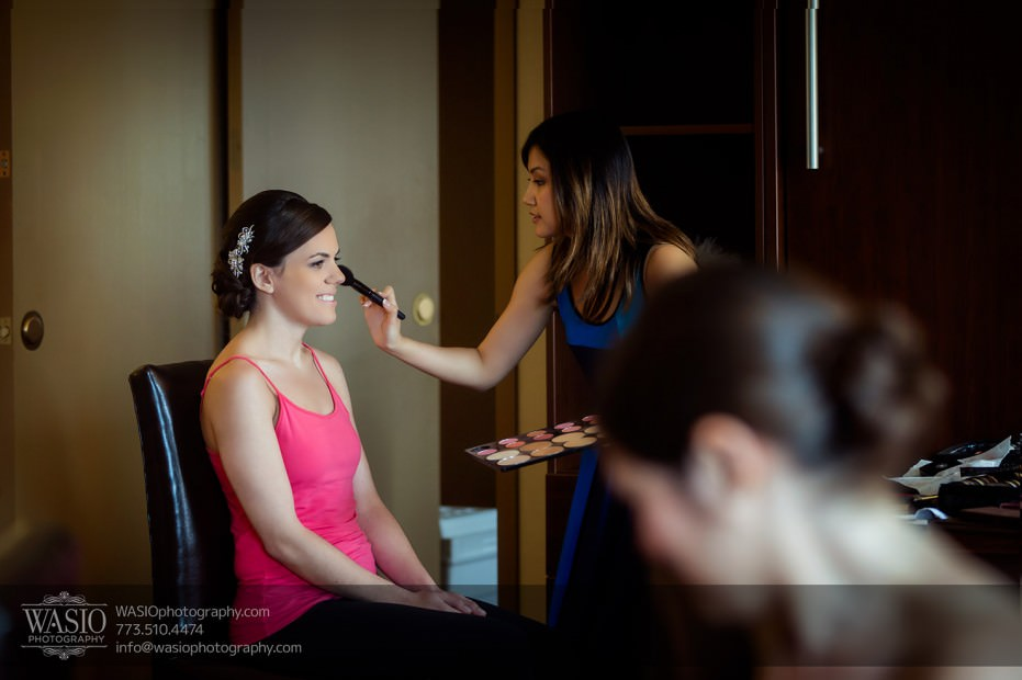 Destination-Chicago-Wedding-Photographer-WASIO-photography-0029-bridal-make-up-diem-angie-931x620 University of Chicago wedding at Smart Museum of Art - Lynn+Satya