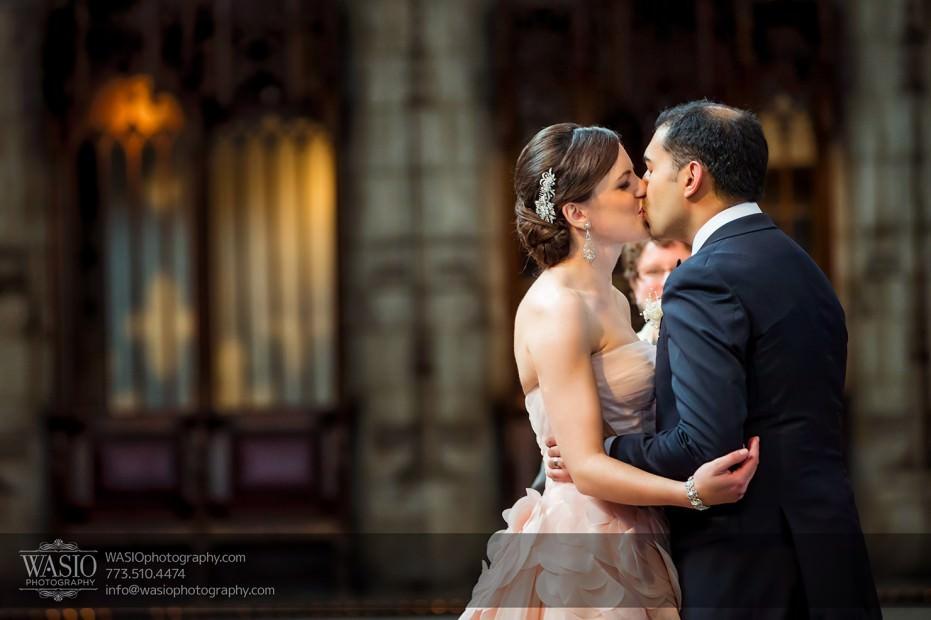 Destination-Chicago-Wedding-Photographer-WASIO-photography-0041-931x620 University of Chicago wedding at Smart Museum of Art - Lynn+Satya