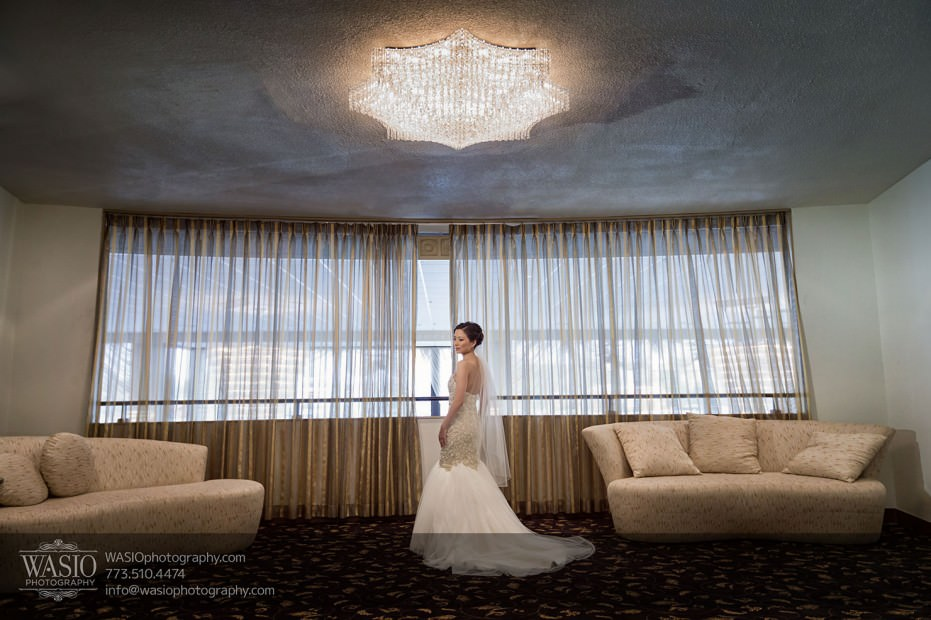 Destination-Chicago-Wedding-Photographer-WASIO-photography-0056-torry-burch-custom-make-wedding-dress-931x620 A Beautiful Wedding at Victoria in the Park - Soy+Patrick
