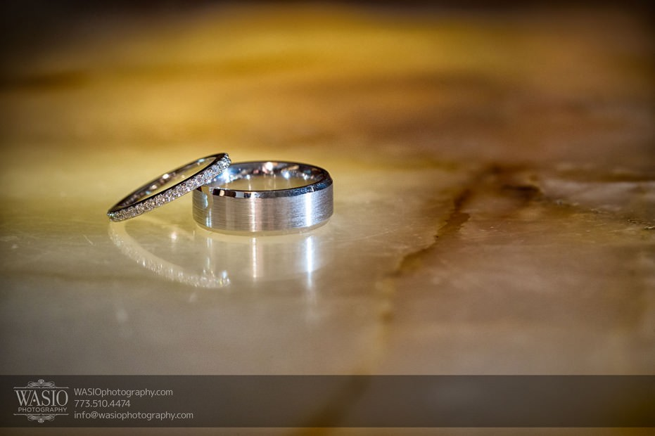 Destination-Chicago-Wedding-Photographer-WASIO-photography-0071-wedding-rings-reflections-931x620 A Beautiful Wedding at Victoria in the Park - Soy+Patrick