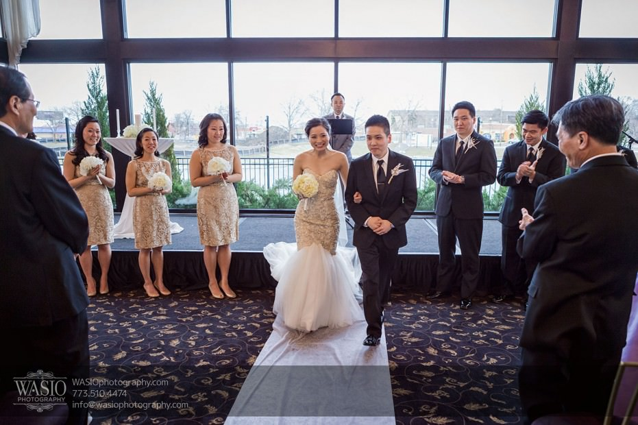 Destination-Chicago-Wedding-Photographer-WASIO-photography-0075-931x620 A Beautiful Wedding at Victoria in the Park - Soy+Patrick