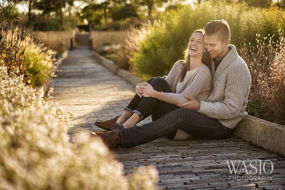 Engagement-Picture-Ideas-Millenium-Park-Chicago-Praire-Sunrise-Sun-Flare Engagement Picture Ideas - Allie and Clayton