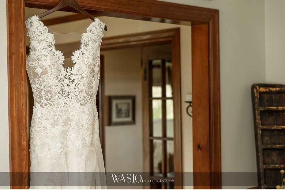 Heritage-Prairie-Farm-Wedding-Ines-Di-Santo-wedding-dress-Nordstrom-116 Heritage Prairie Farm Wedding