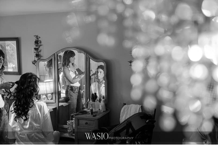Heritage-Prairie-Farm-Wedding-black-white-photo-journalism-bridal-preparation-118 Heritage Prairie Farm Wedding