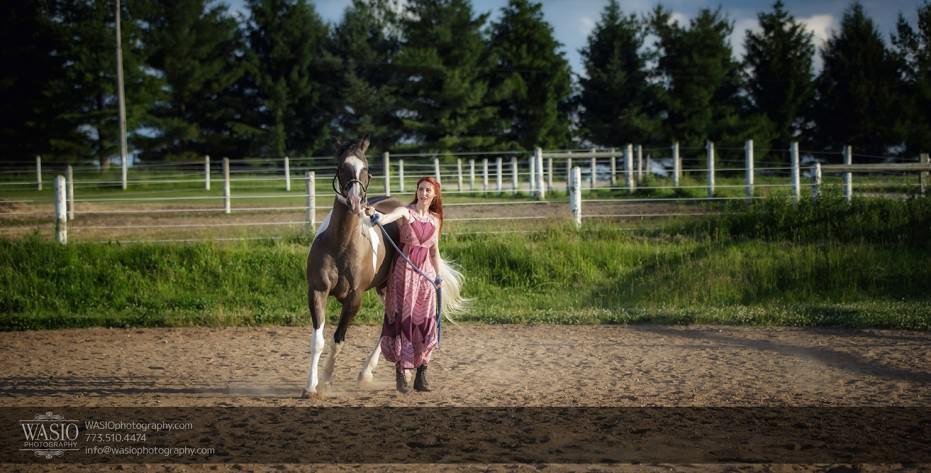 Horse-barn-engagement-running-fun-summer-warm-097-931x473 A horse barn engagement - Sarah + Jorge