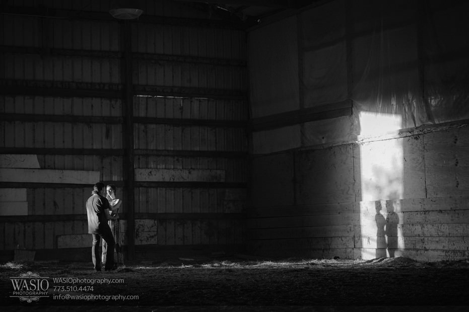 Horse-barn-engagement-shadow-light-106-931x620 A horse barn engagement - Sarah + Jorge