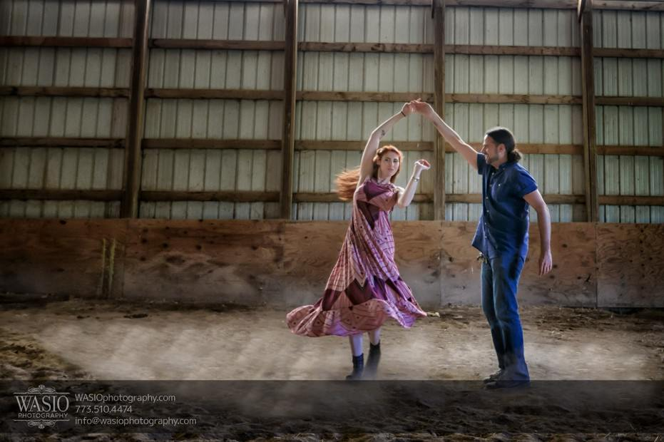 Horse-barn-engagement-twirling-love-dust-093-931x620 A horse barn engagement - Sarah + Jorge