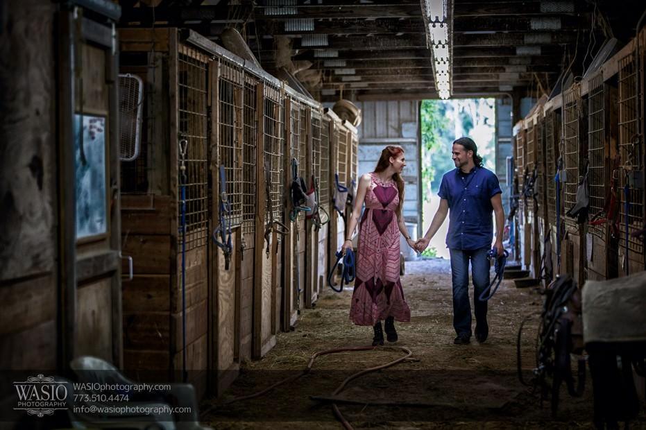 Horse-barn-engagement-western-love-092-931x620 A horse barn engagement - Sarah + Jorge