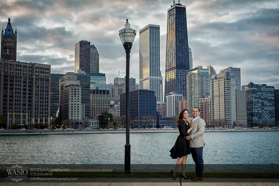Indian-wedding-engagement-session-windy-city-skyline-hancok_78-931x620 Indian wedding engagement session - Vasvi + Joey