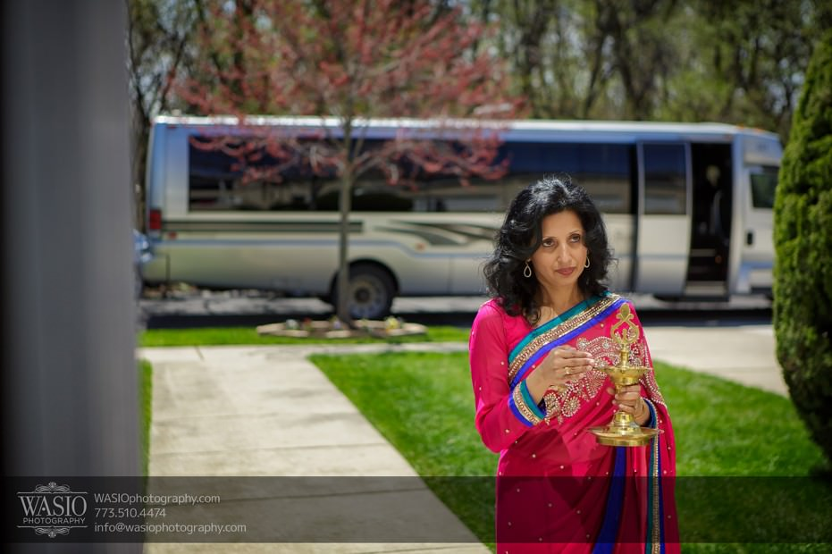 Indian-wedding-photographer-blessing-family-014-931x620 Chicago Indian Wedding  - Cheryl + Brian