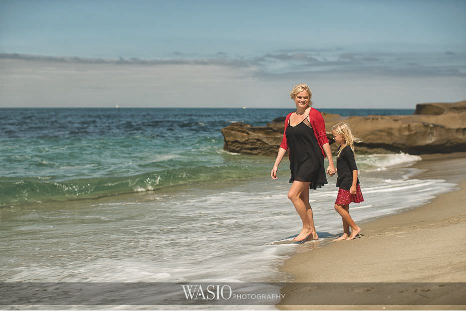 La-Jolla-Family-Photography-mother-daughter-beach-blog-1 La Jolla Family Photography Session at Windansea Beach