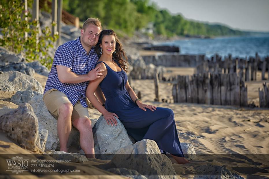 Lake-Michigan-Engagement-sand-barefoot-rocks-engagement-chicago-074-931x620 Lake Michigan Engagement - Carrie + John