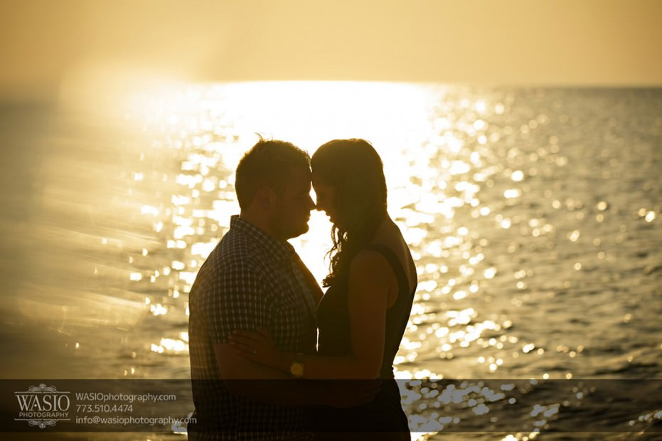 Lake-Michigan-Engagement-sunset-intimate-romantic-chicago-engagement-077-931x620 Lake Michigan Engagement - Carrie + John
